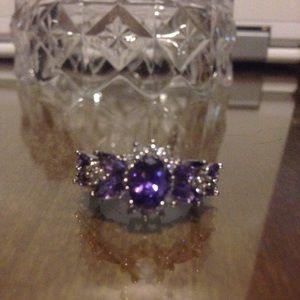 Purple jeweled silver ring 💍